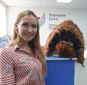 Кокошник Тины Кузнецовой продан на «Аукционе добра» за 3000 рублей